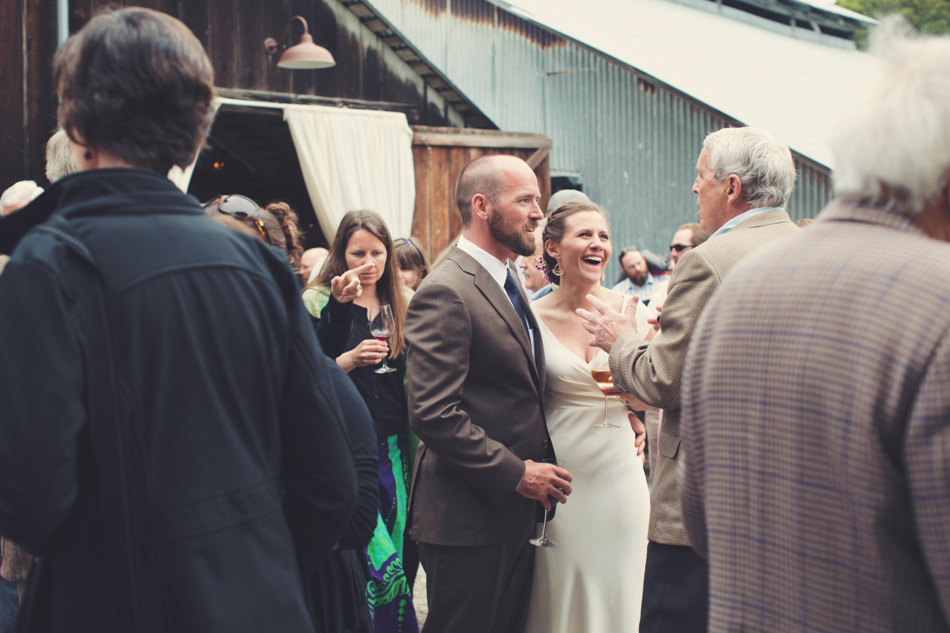 Barn wedding Bolinas - Mann Family Farm ©Anne-Claire Brun0135