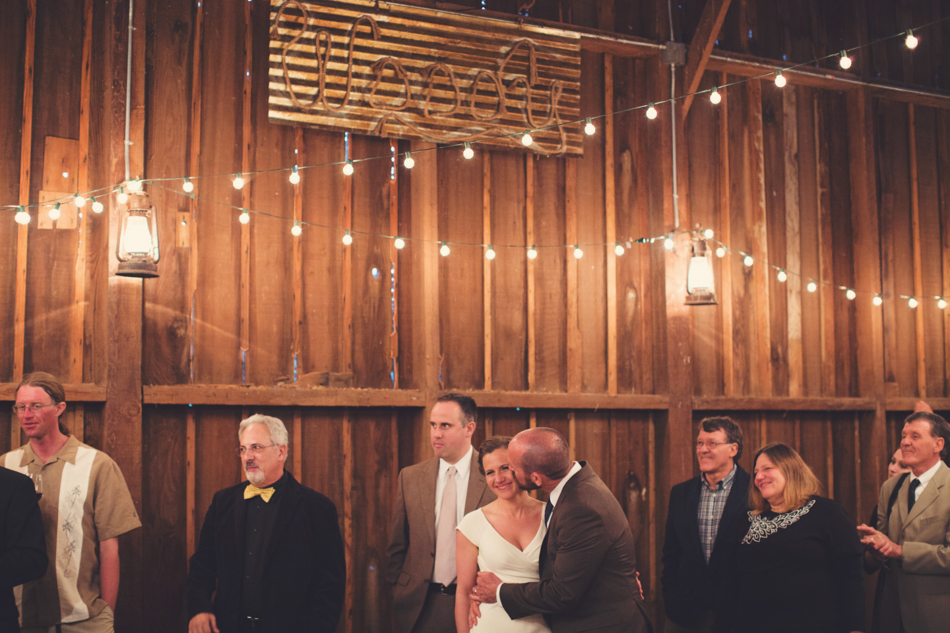 Barn wedding Bolinas - Mann Family Farm ©Anne-Claire Brun0156