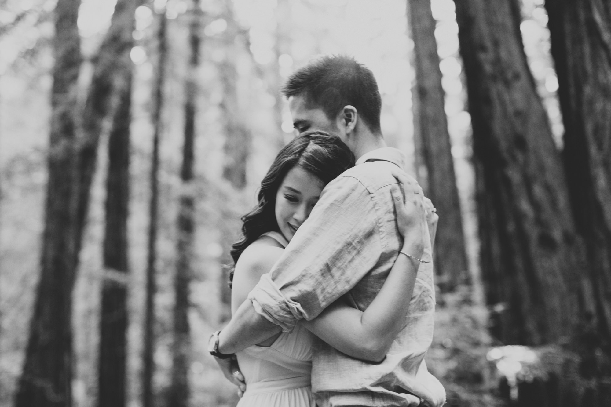 Engagement photos in Muir Woods @Anne-Claire Brun 003