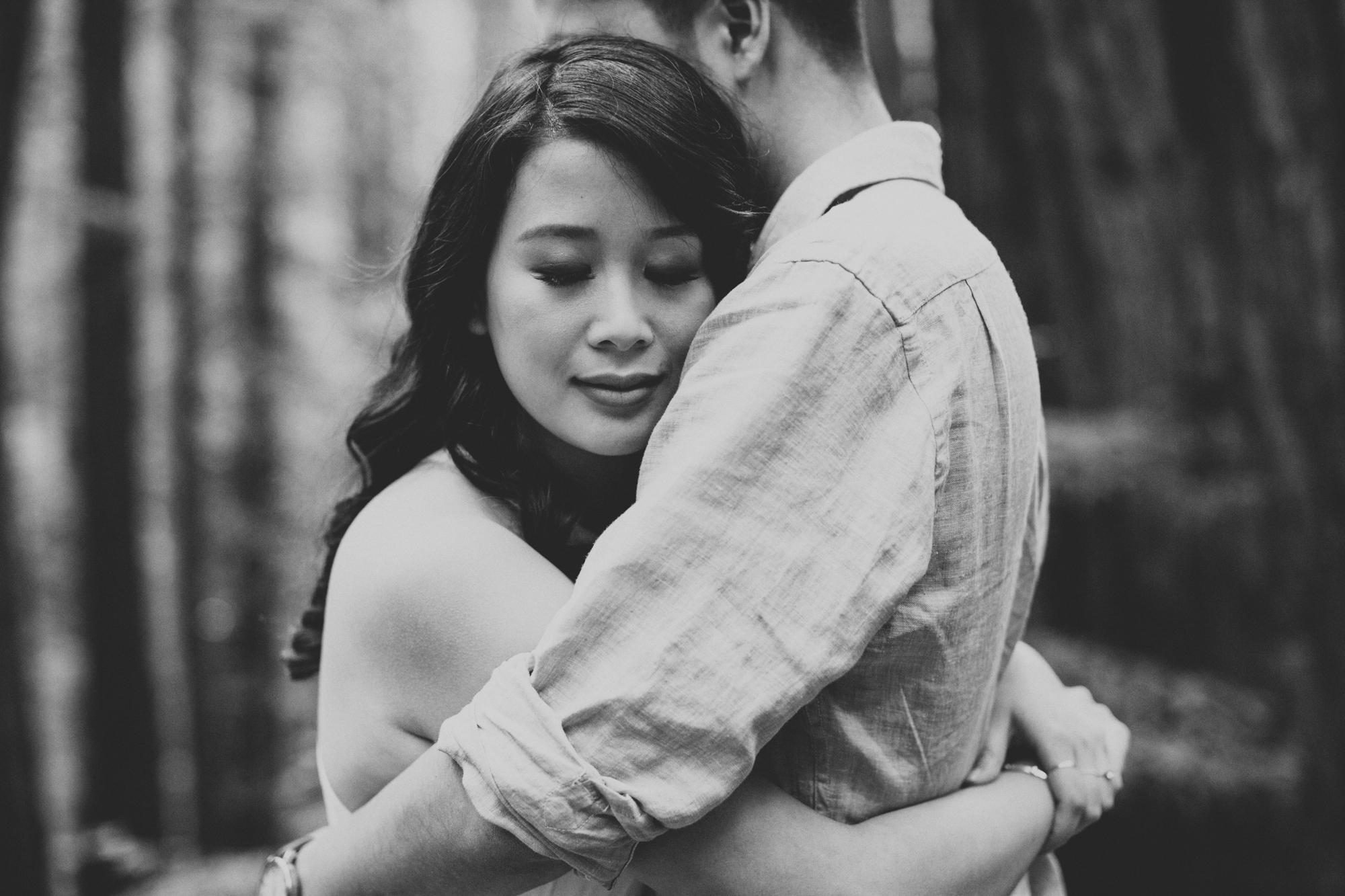Engagement photos in Muir Woods @Anne-Claire Brun 007