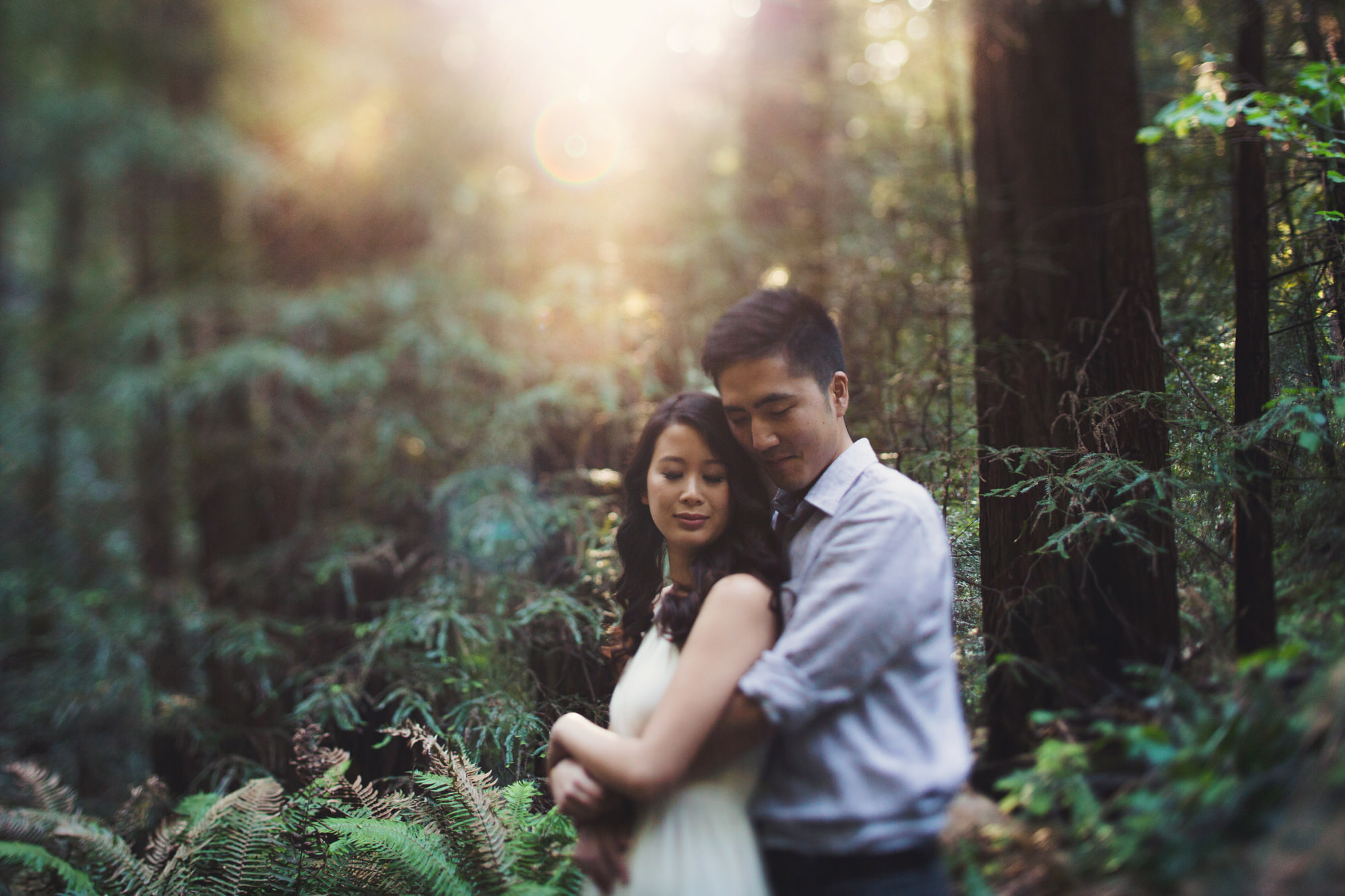 Engagement photos in Muir Woods @Anne-Claire Brun 010