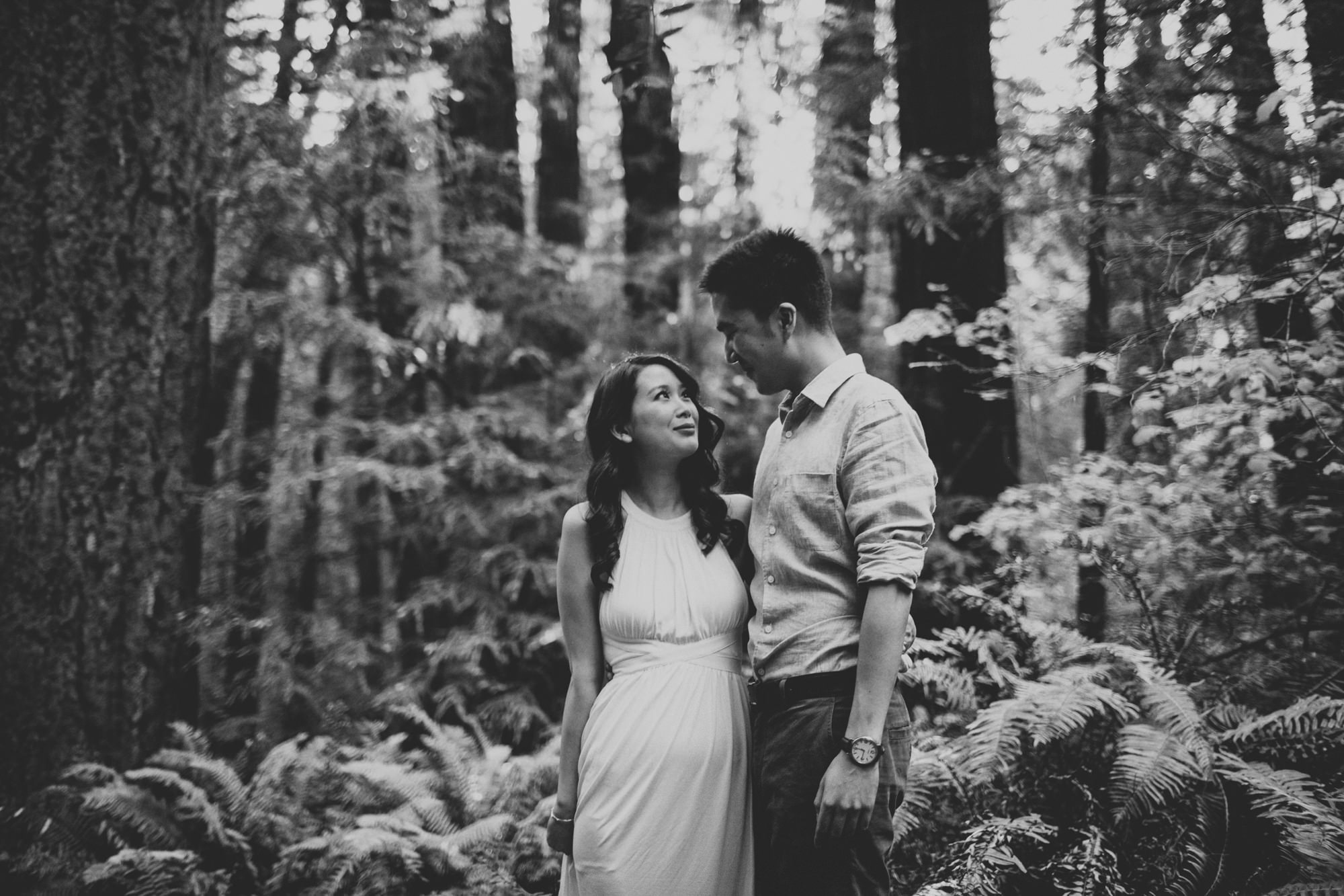 Engagement photos in Muir Woods @Anne-Claire Brun 012