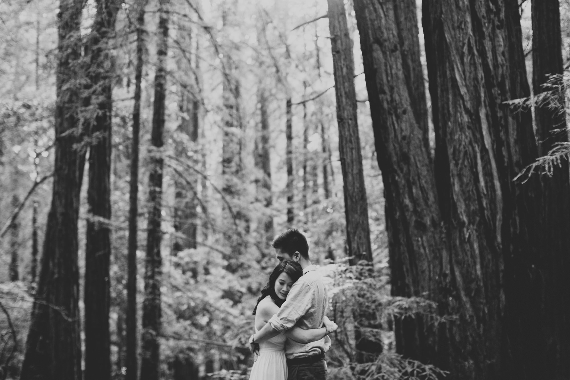 Engagement photos in Muir Woods @Anne-Claire Brun 025