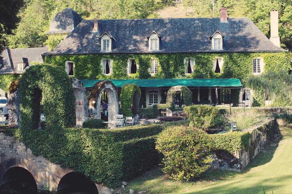 A Rustic Elegant Wedding in a French Manor088