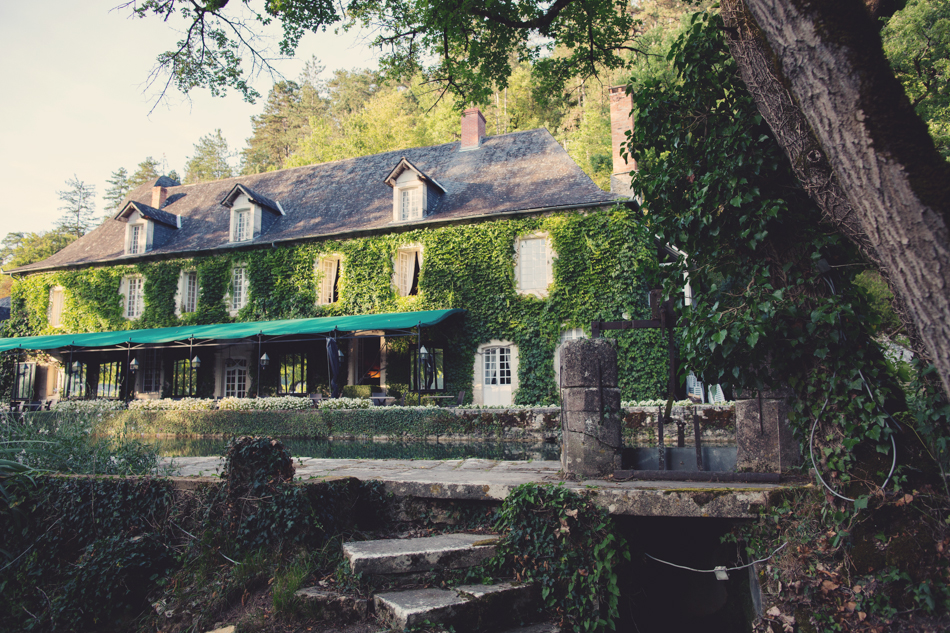 A Rustic Elegant Wedding in a French Manor112