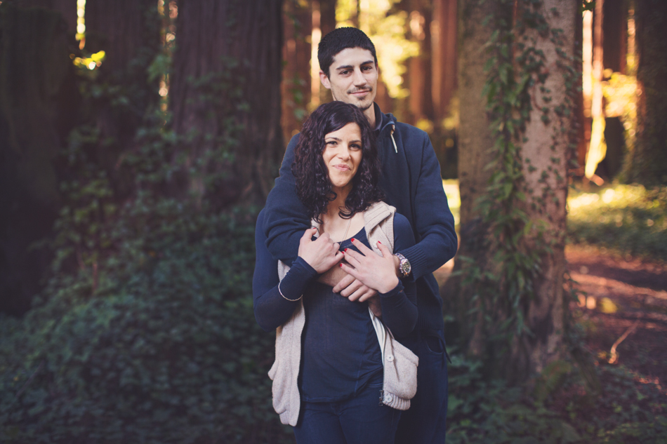 Engagement pictures in redwood ©Anne-Claire Brun004