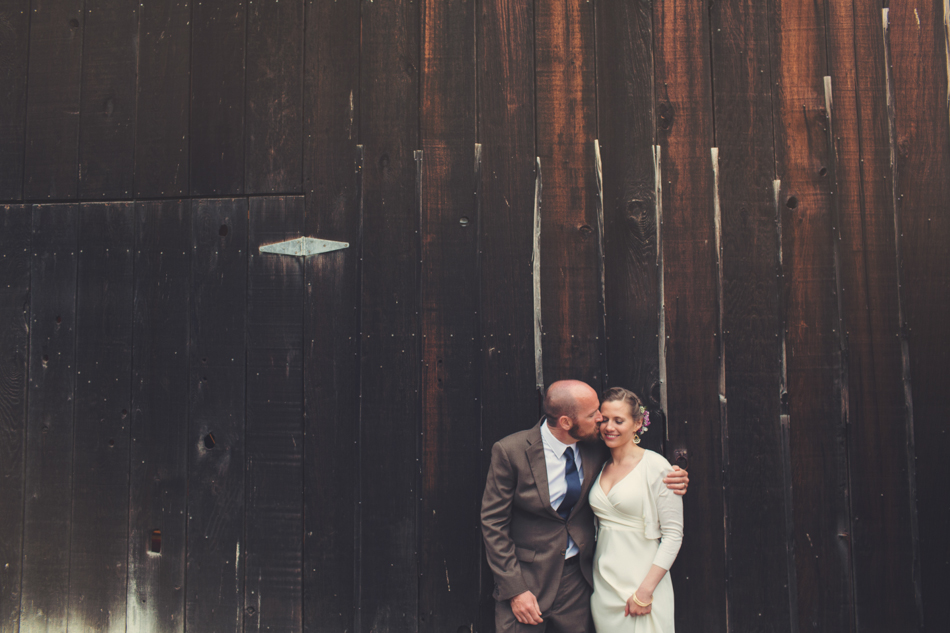 Barn wedding Bolinas - Mann Family Farm ©Anne-Claire Brun0132