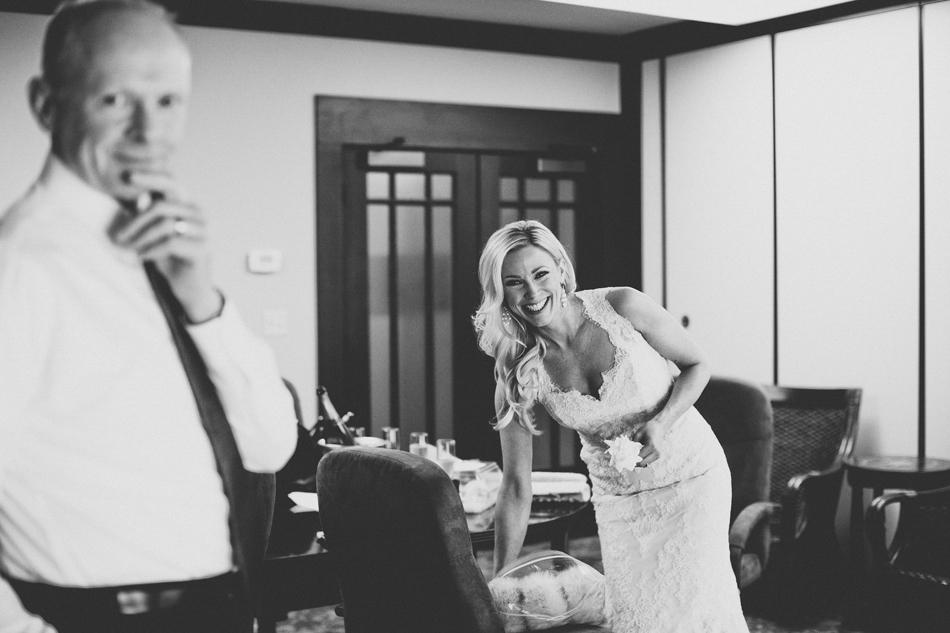 Gloria Ferrer Wedding Elopement in Napa Vineyard ©Anne-Claire Brun 0011