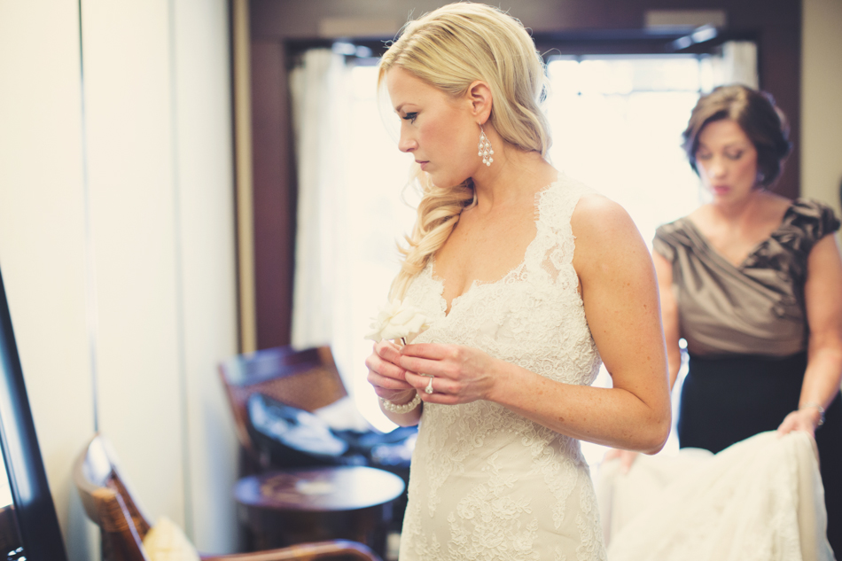 Gloria Ferrer Wedding Elopement in Napa Vineyard ©Anne-Claire Brun 0016