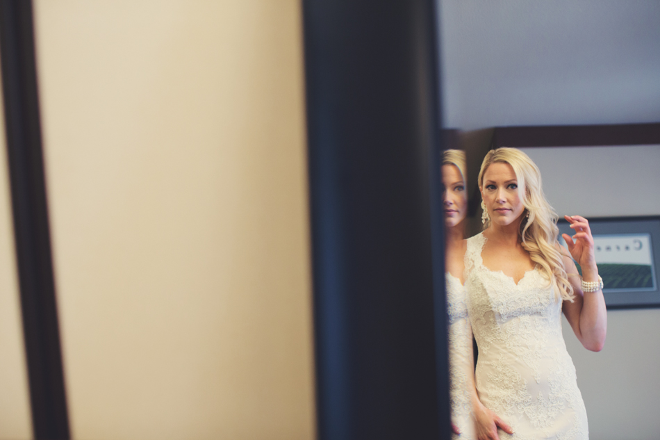 Gloria Ferrer Wedding Elopement in Napa Vineyard ©Anne-Claire Brun 0023