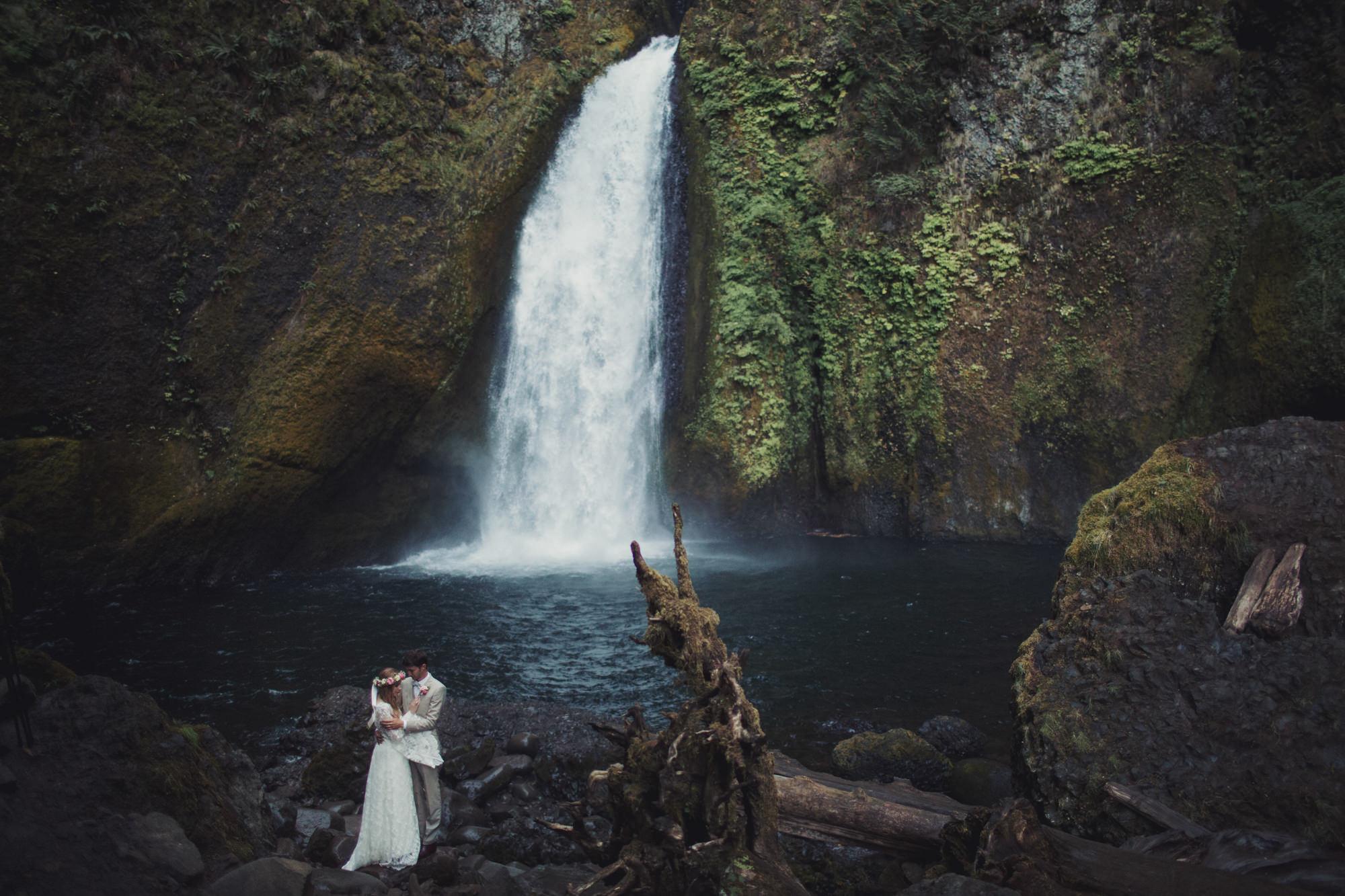 Wahclella Falls Intimate Elopement