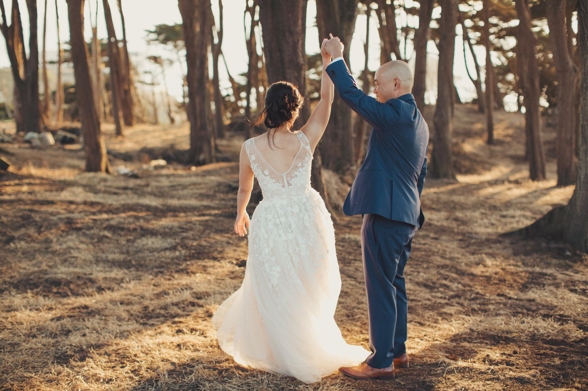 romantic photos couple wedding