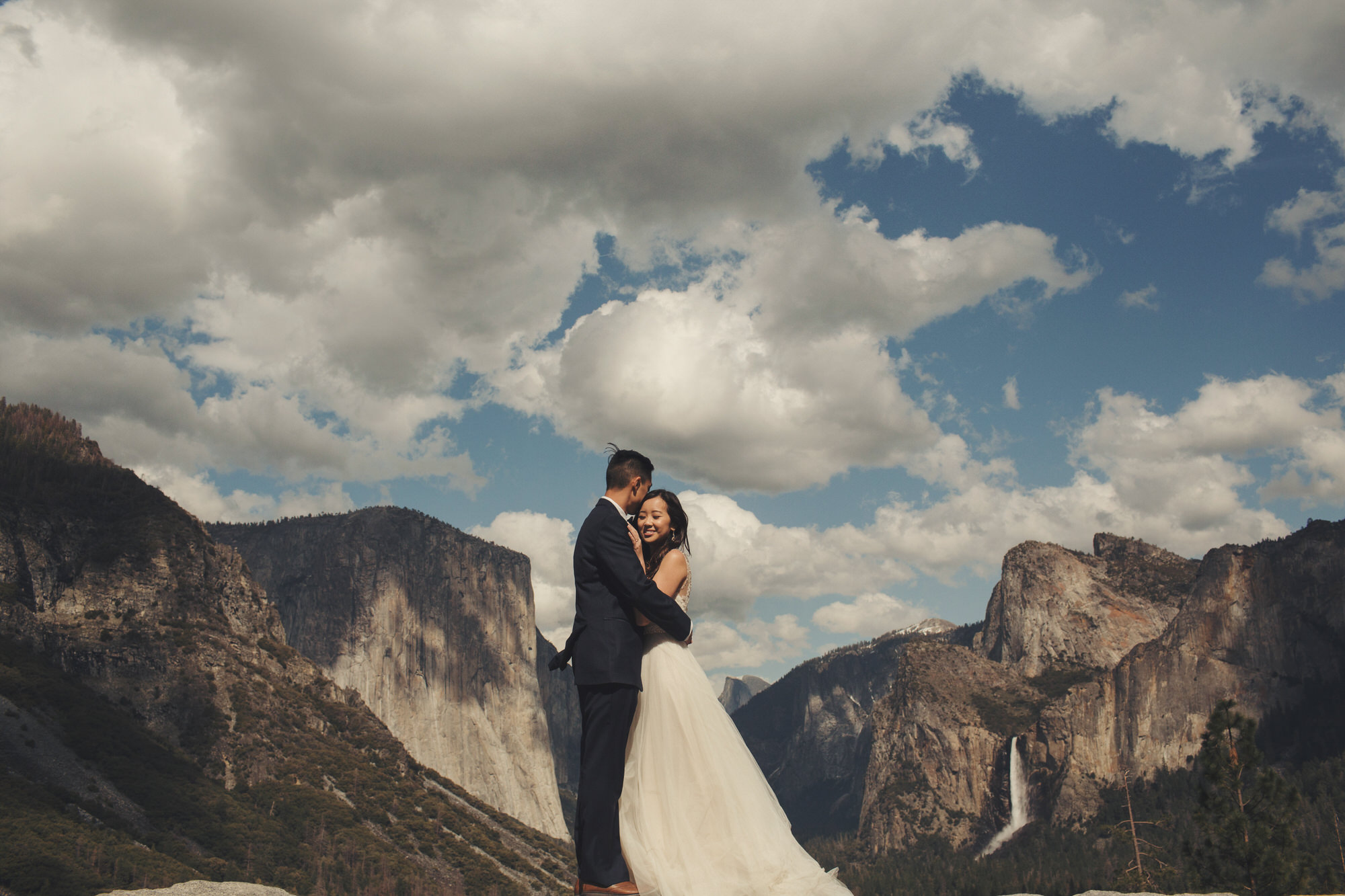 engagement pictures in yosemite
