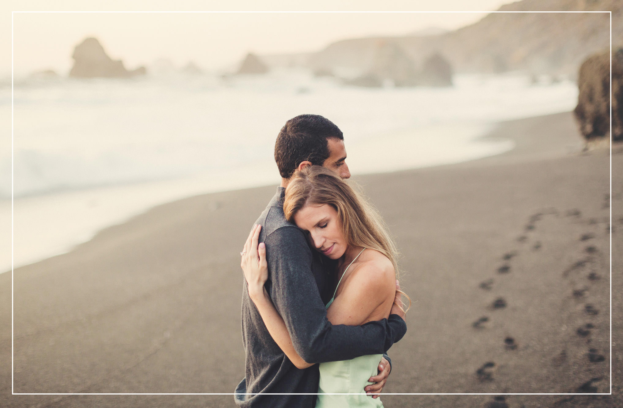 Beach engagement ©Anne-Claire Brun Photography
